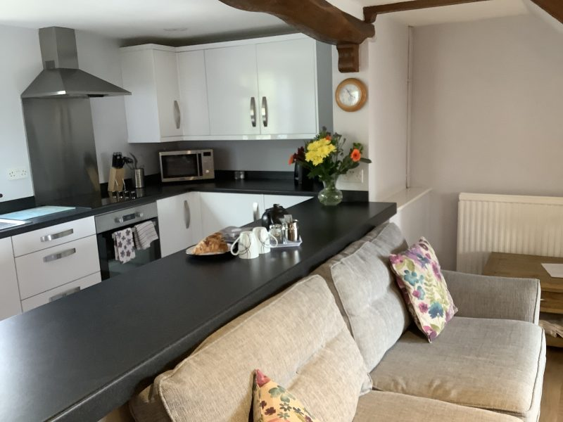 Coombe Cottage spacious kitchen diner